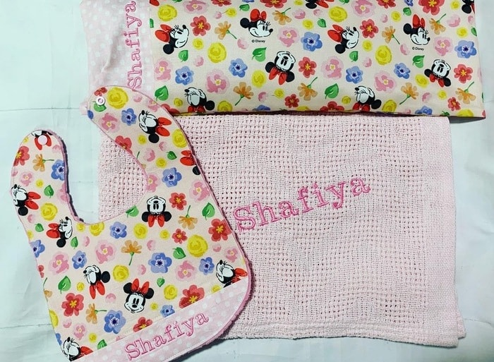 Minnie Mouse personalised pillow and bib
